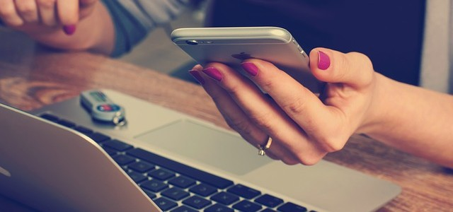 SMS půjčka úplně každému